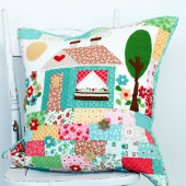 Lori Holt Granny's House Pillow Kit